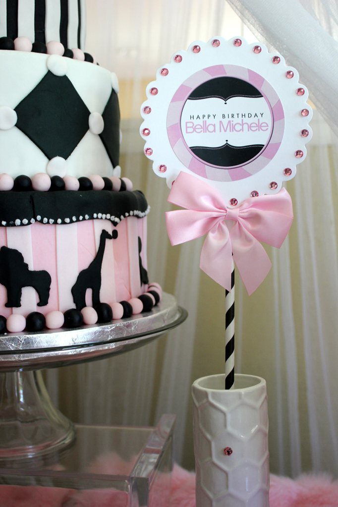 Girly circus printables and cake