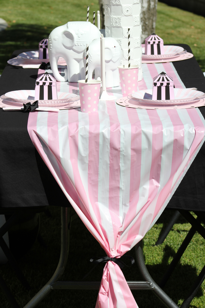 Quot Girly Circus Quot Budget Chic Table For A Circus Party