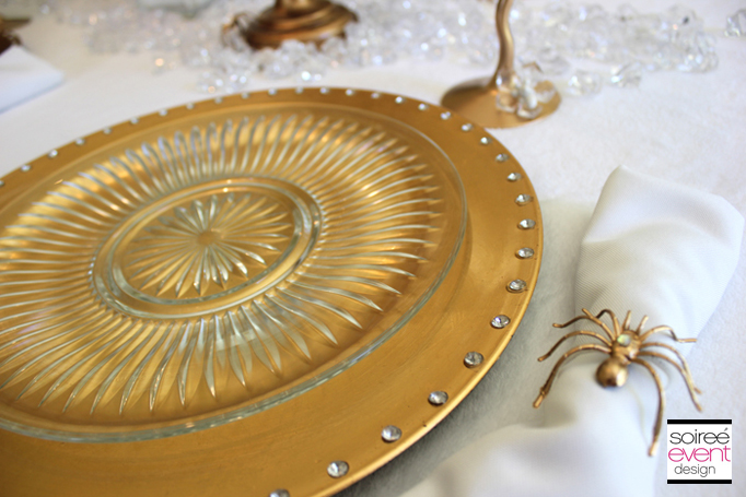 snow-white-gold-tablesetting