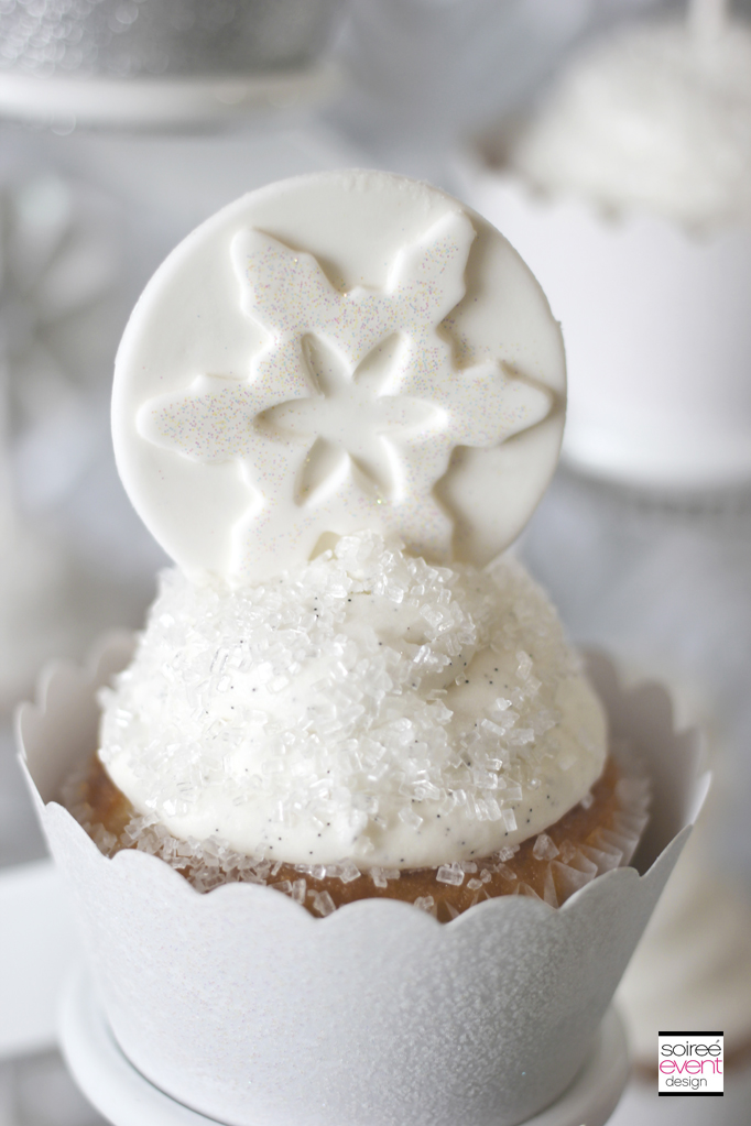 winter-white-bridal-shower-fondant
