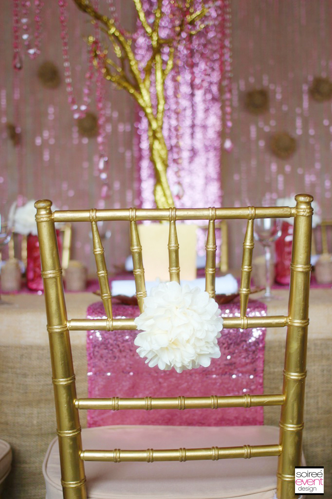 gold-chairs-wedding