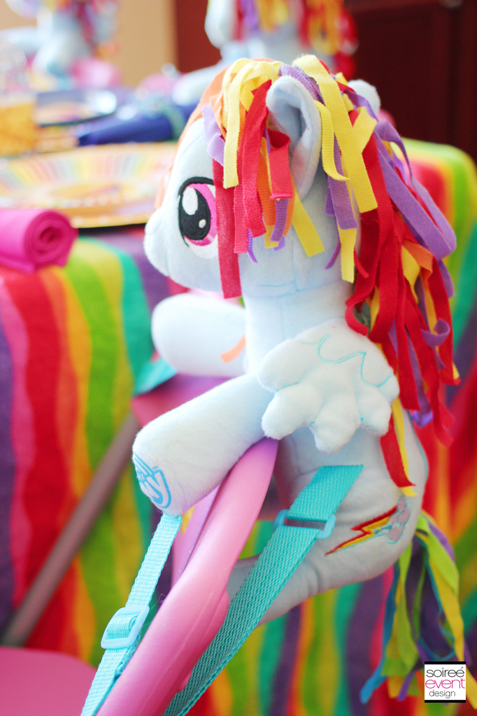 Rainbow-dash-party-chair