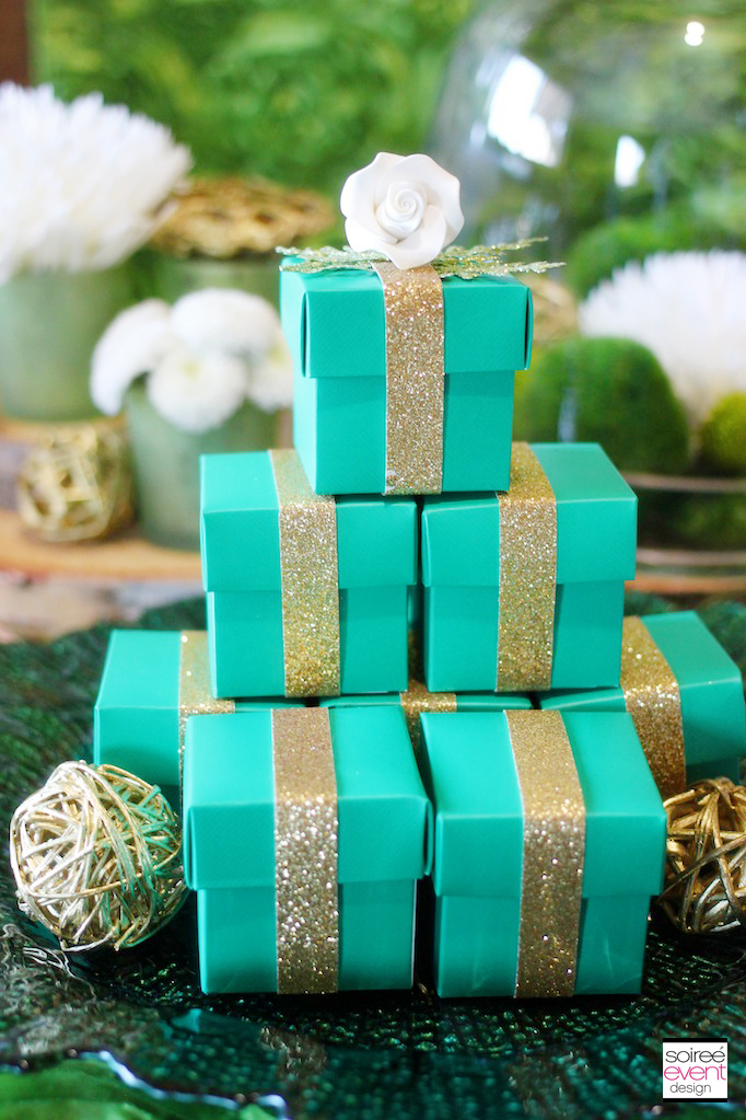 emerald-green-gold-favor-boxes