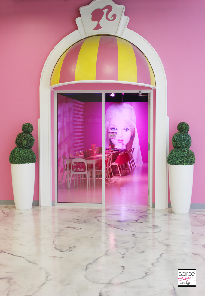 Barbie-dreamhouse-party-room-entrance