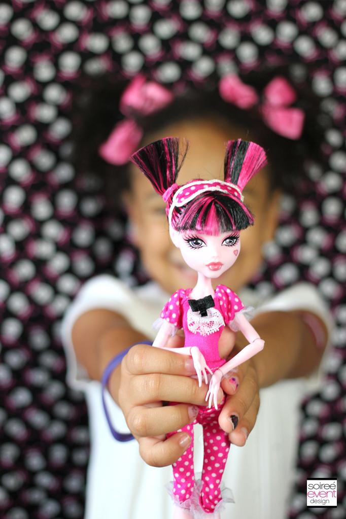 Draculaura-Doll