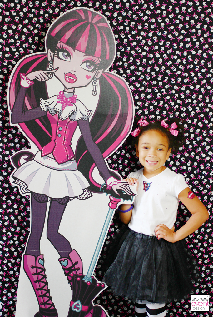 Draculaura Photo Booth