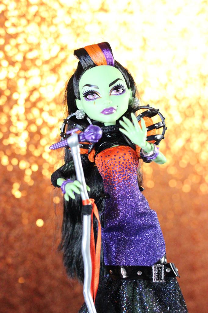 Monster High Casta Fierce Doll 2