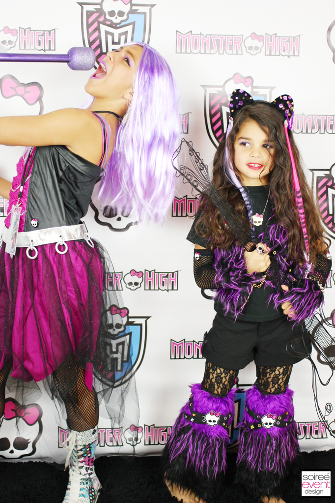 Monster High step and repeat