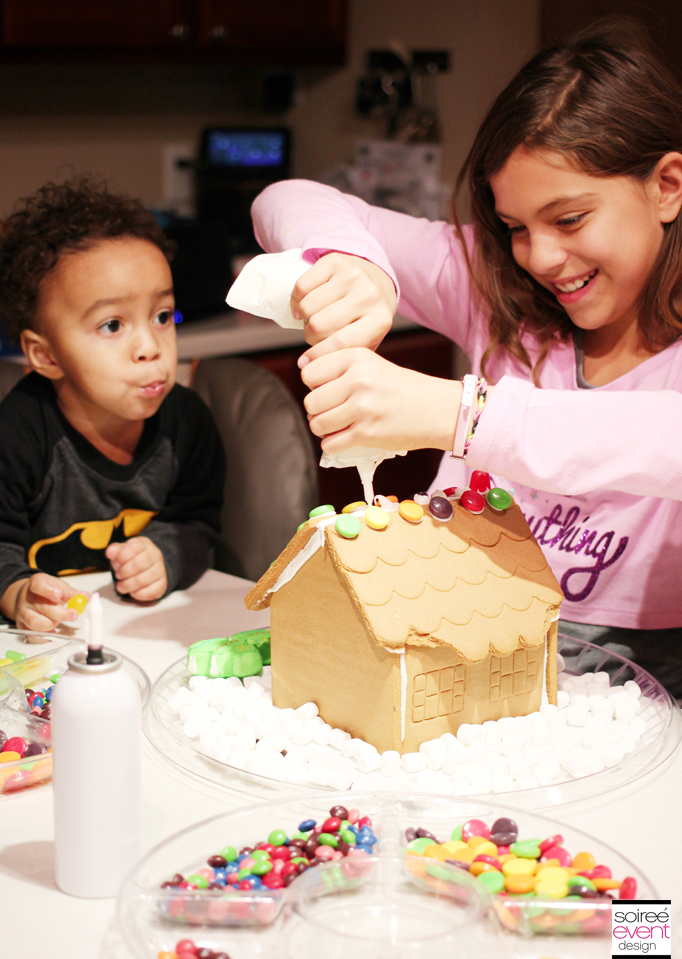 Decorating Gingerbread Houses 2