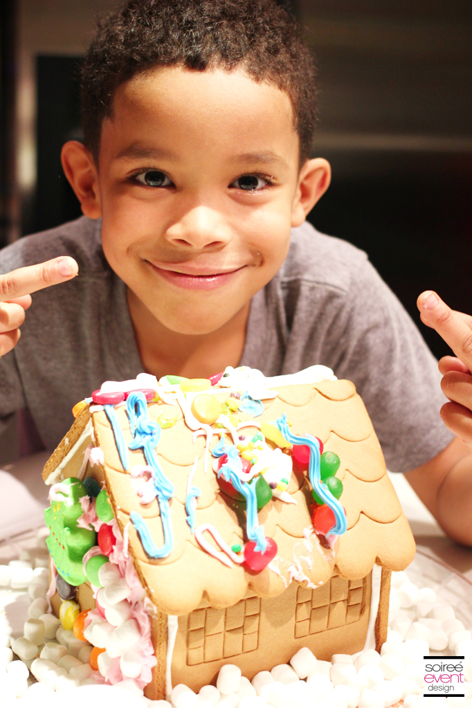 Gingerbread House decorating 2