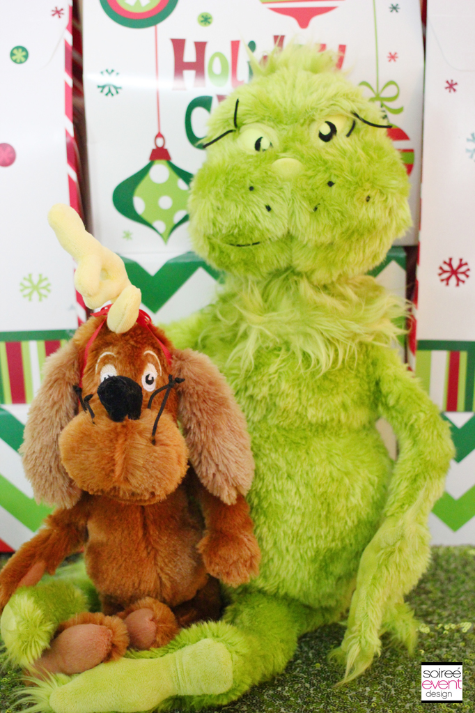 Grinch collection of stuffed toys and finger puppets manhattan toy