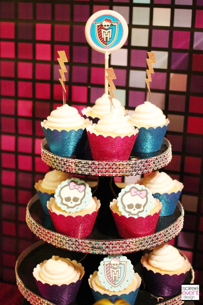 monster high cupcake stand