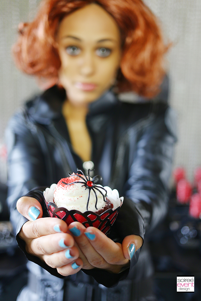 Black Widow halloween cupcakes
