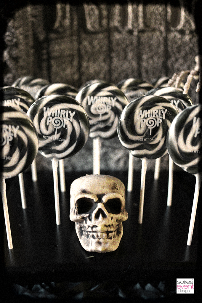Haunted Farmhouse Party lollipops