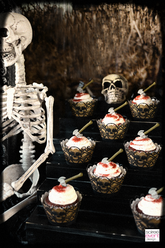 Haunted Farmhouse party cupcakes