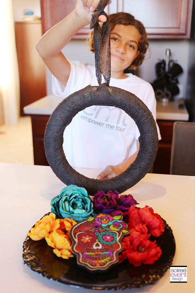 How to Make a Day of the Dead Wreath - step 1 B