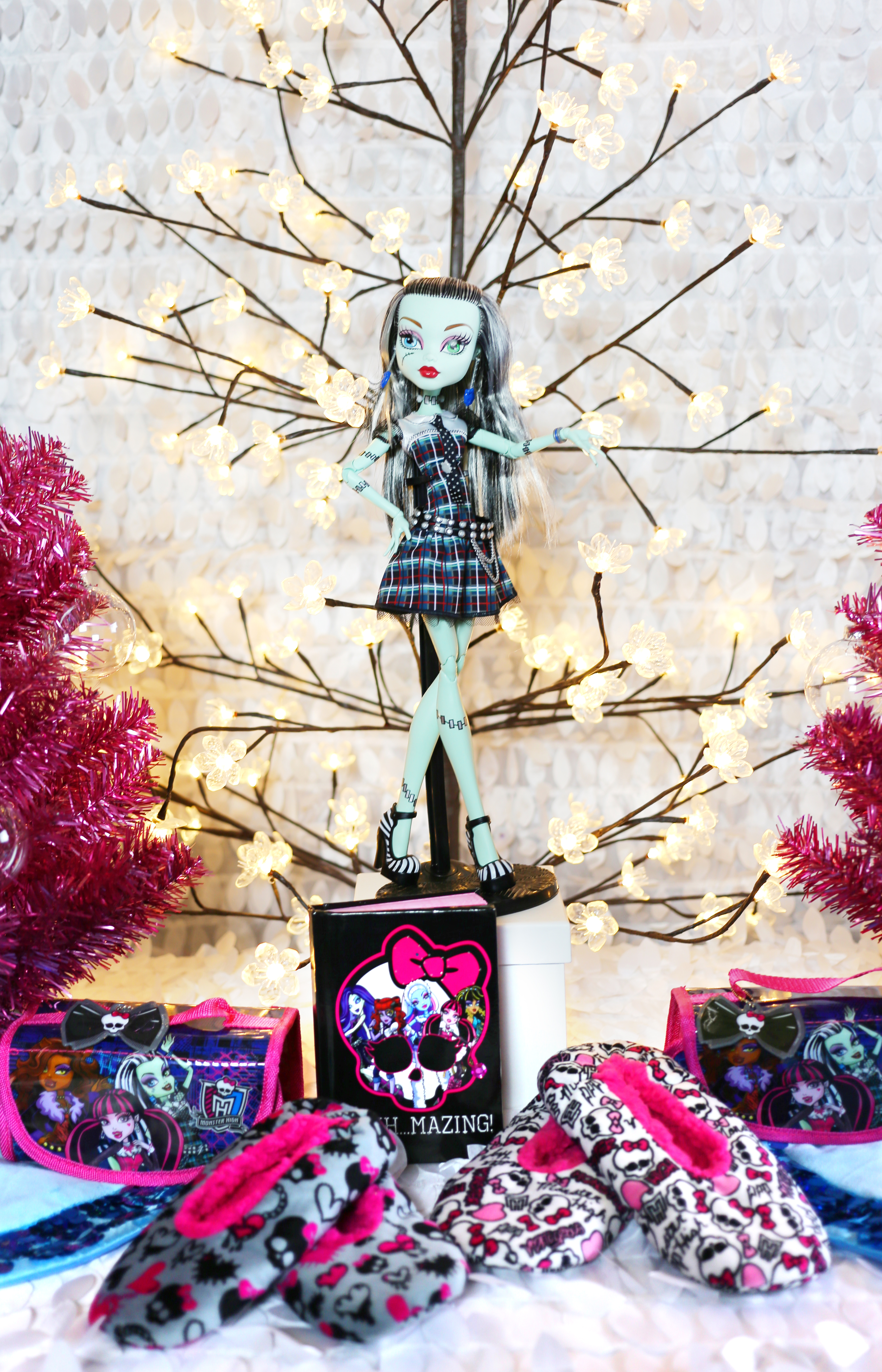 Monster High Party Favor Table
