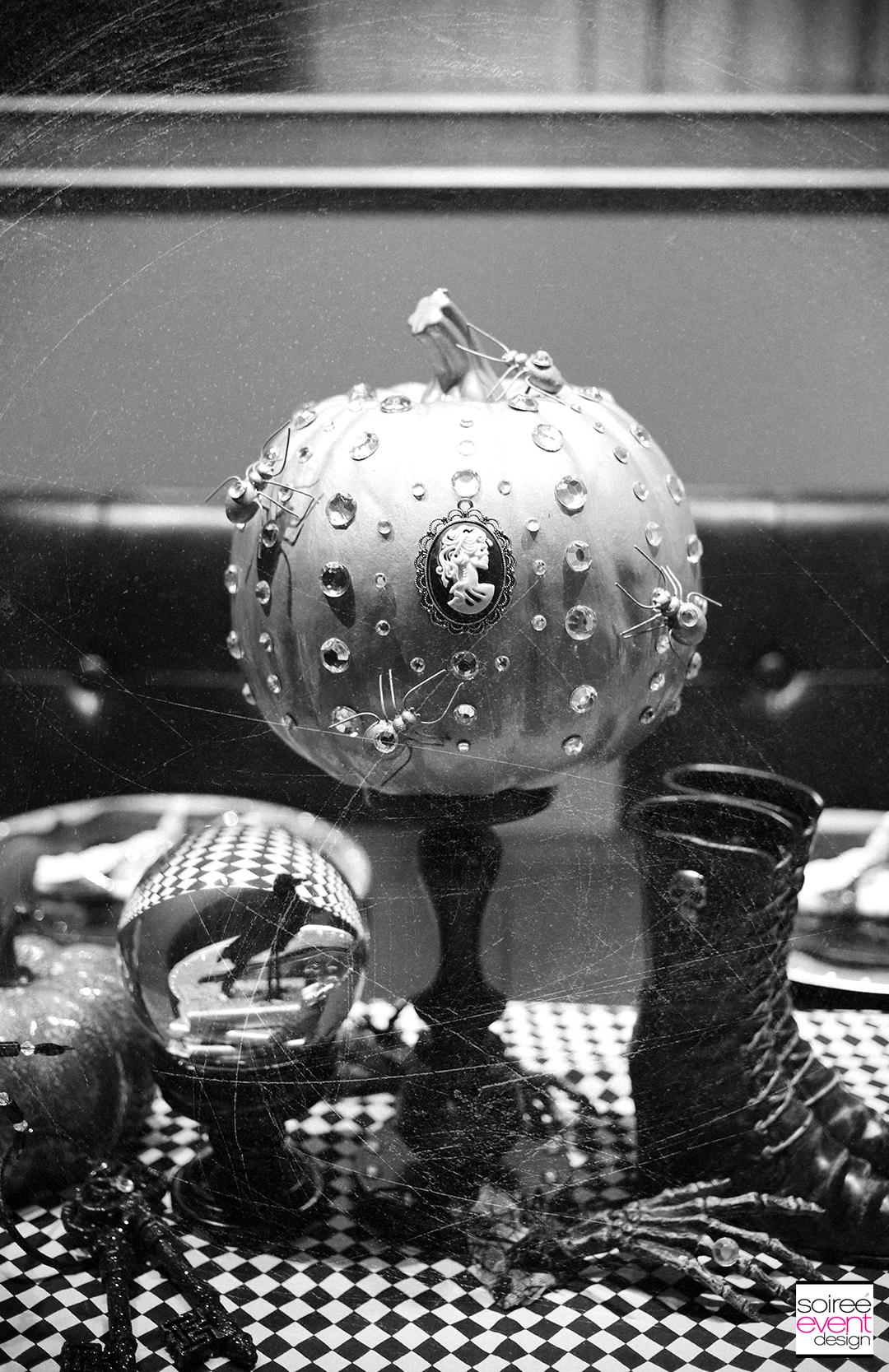 halloween-bling-spider-centerpiece