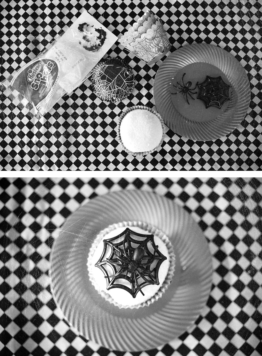 halloween-desserts-spider-web-snowballs