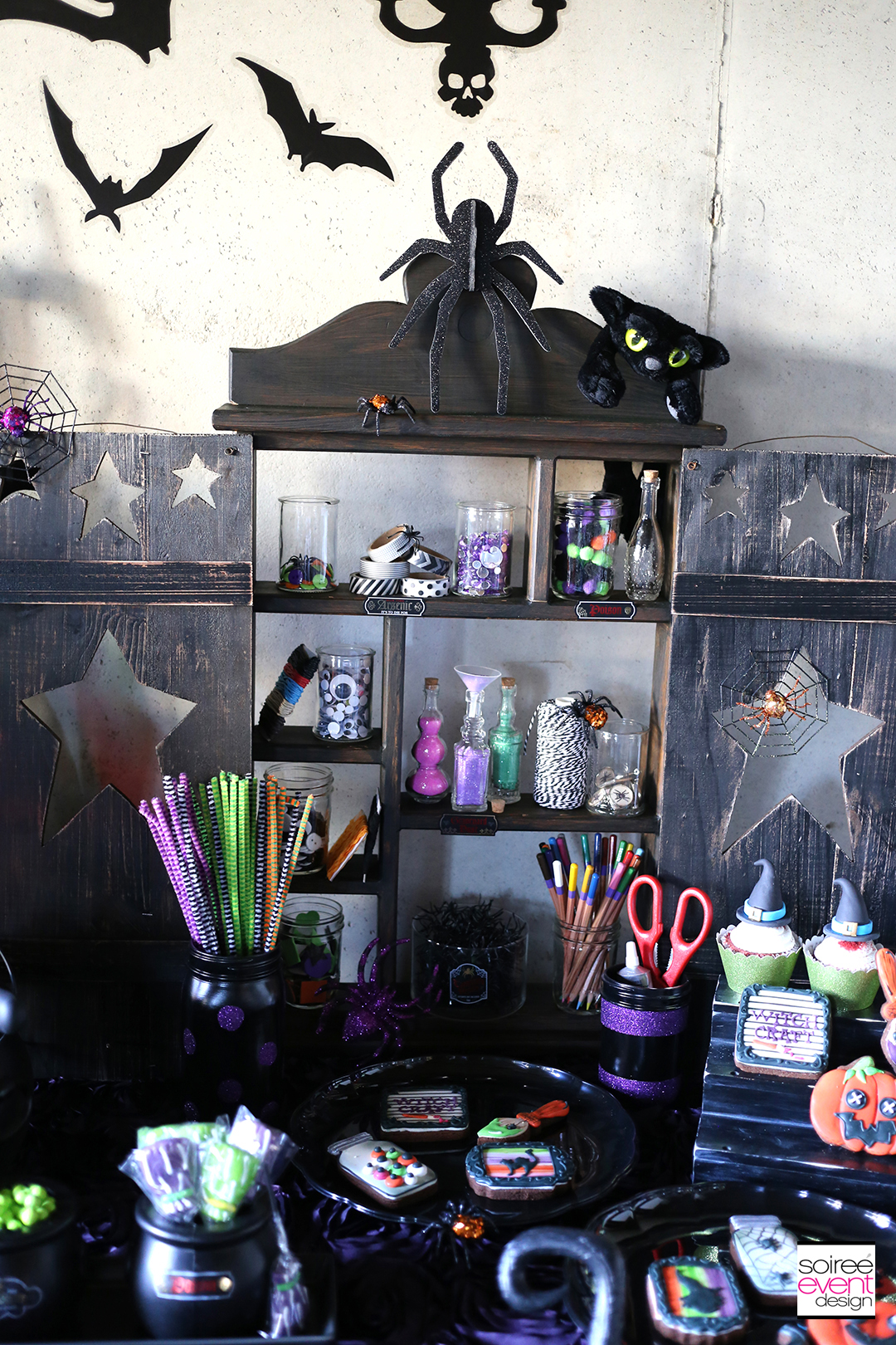 witchcraft-halloween-witch-potion-cabinet
