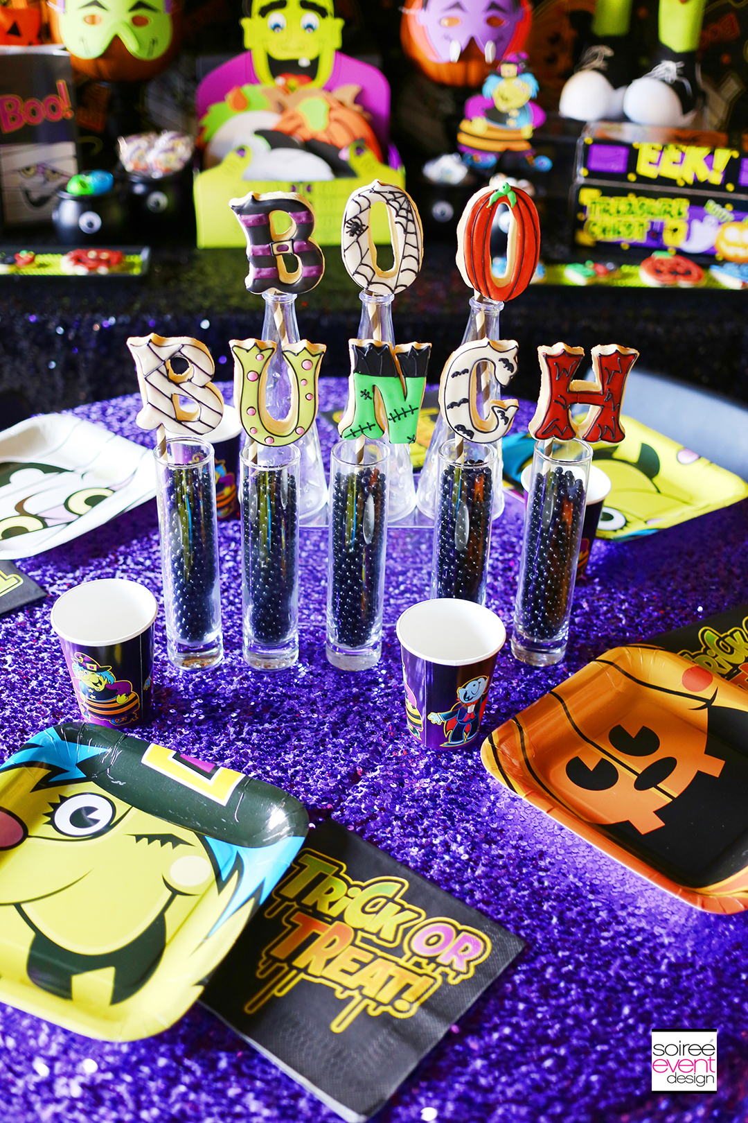 boo-bunch-halloween-party-dining-table