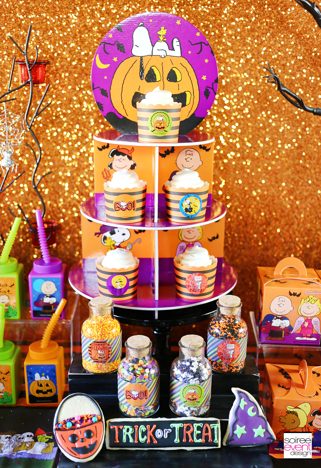peanuts-halloween-party-cupcake-stand