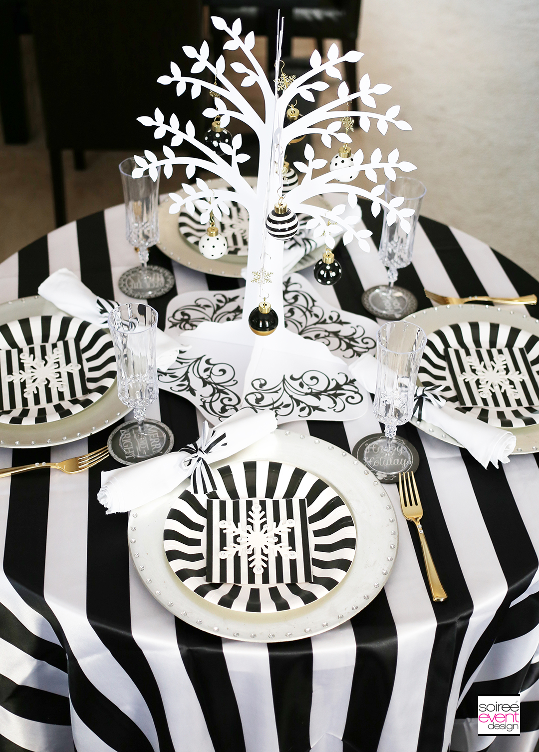 Black and White Christmas Tablescape