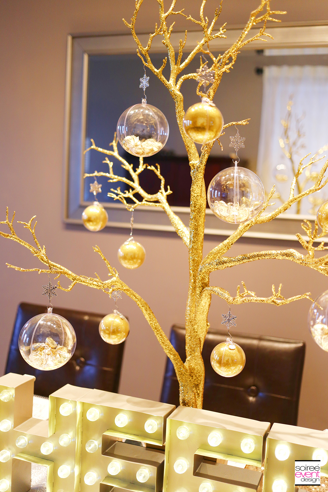 DIY Gold New Years Eve Cocktail Party Centerpiece