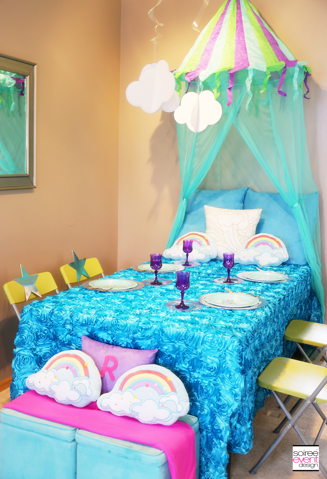 Sleepover party Ideas - Canopy Bed Table