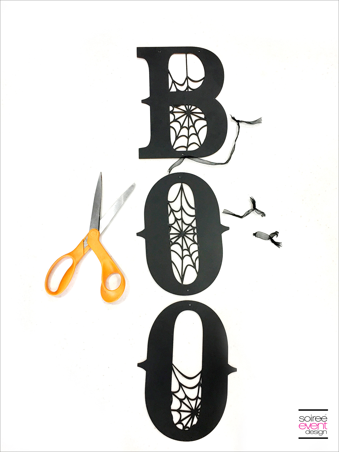 Black and White Boo Wall Sign - Step 1