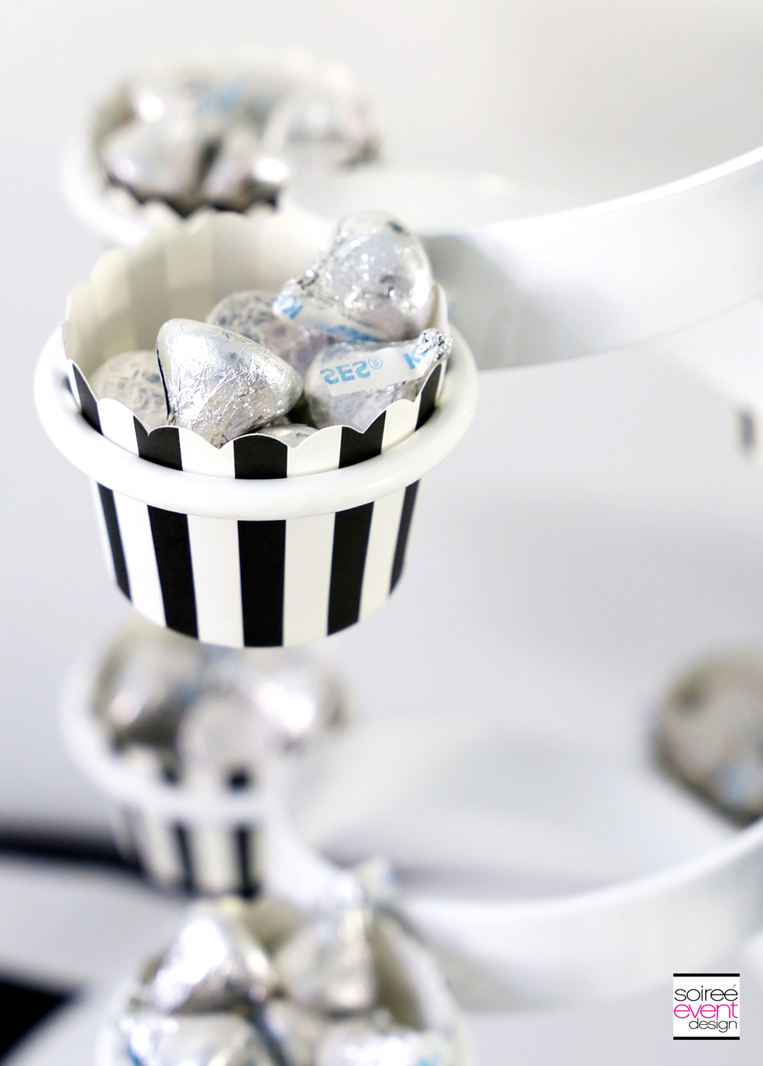 Black and White Halloween Party - Silver candy
