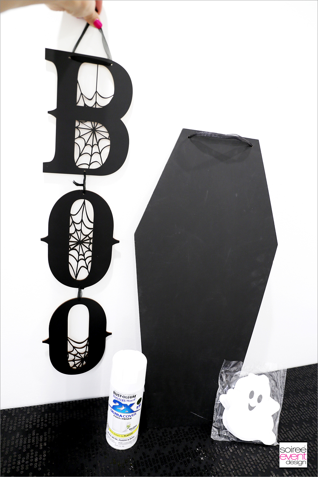 DIY Black and White Boo Wall Sign - Supplies