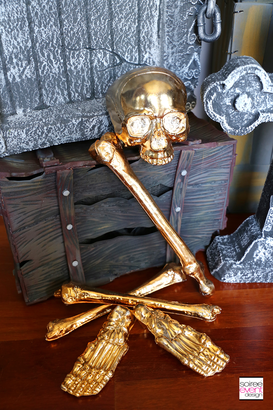 Day of the Dead Entryway - Gold bones