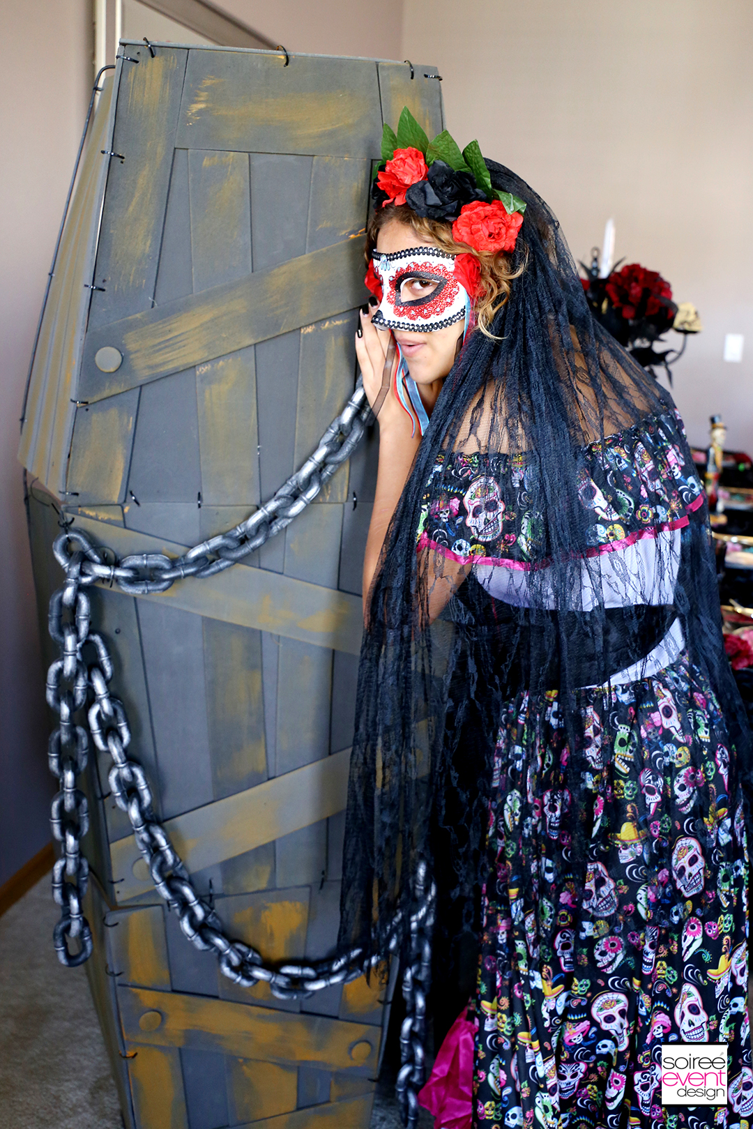 Day of the Dead Party Ideas - full size coffin