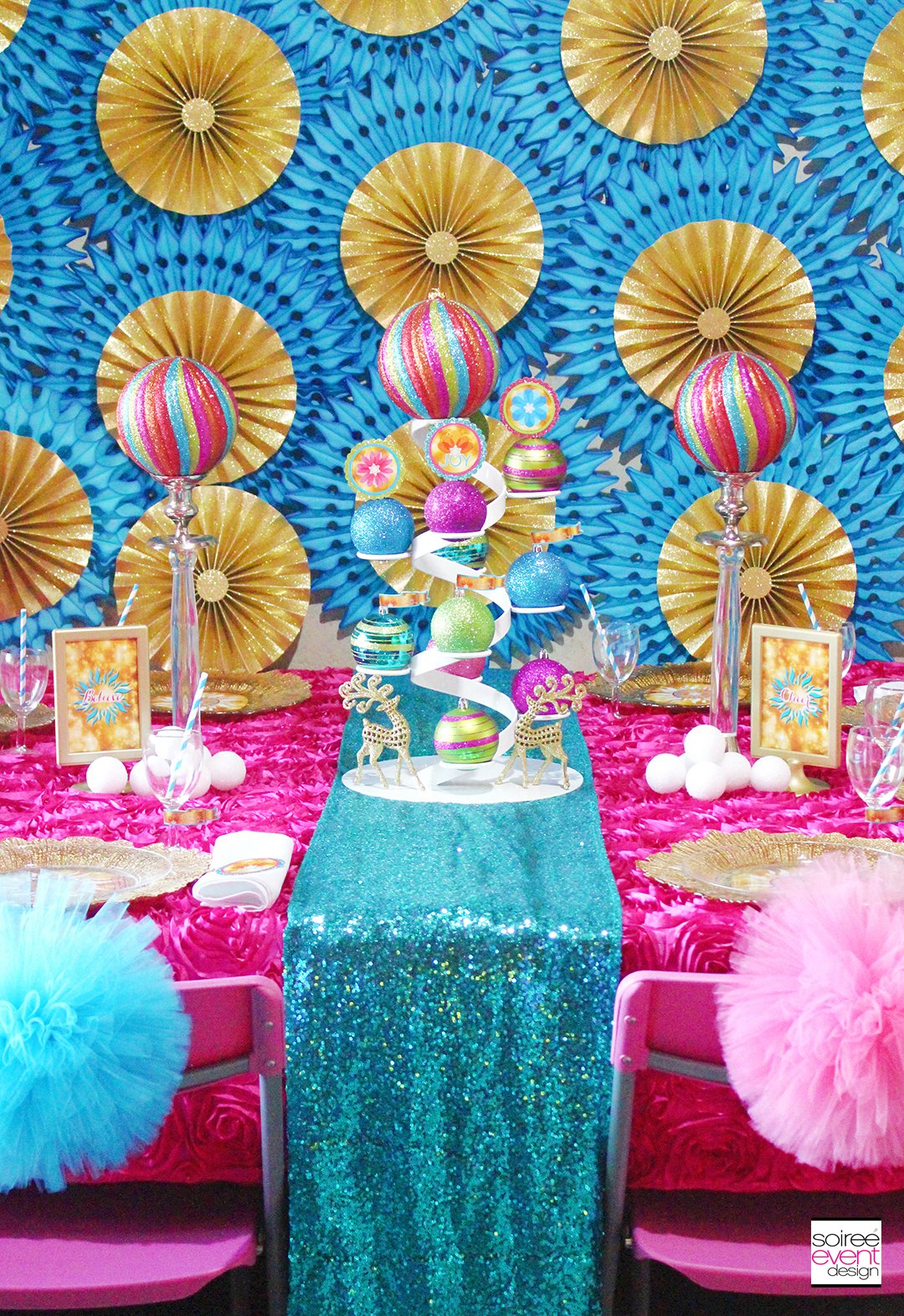 Bright Christmas Party Dining Table