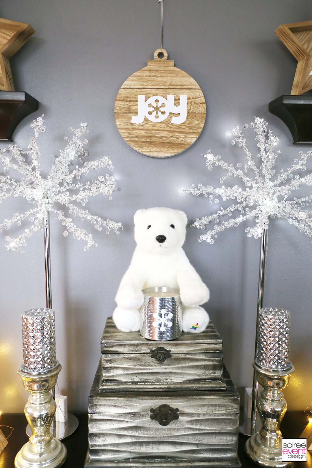 Farmhouse Holiday Decorations - Stocking Mantel Table 1
