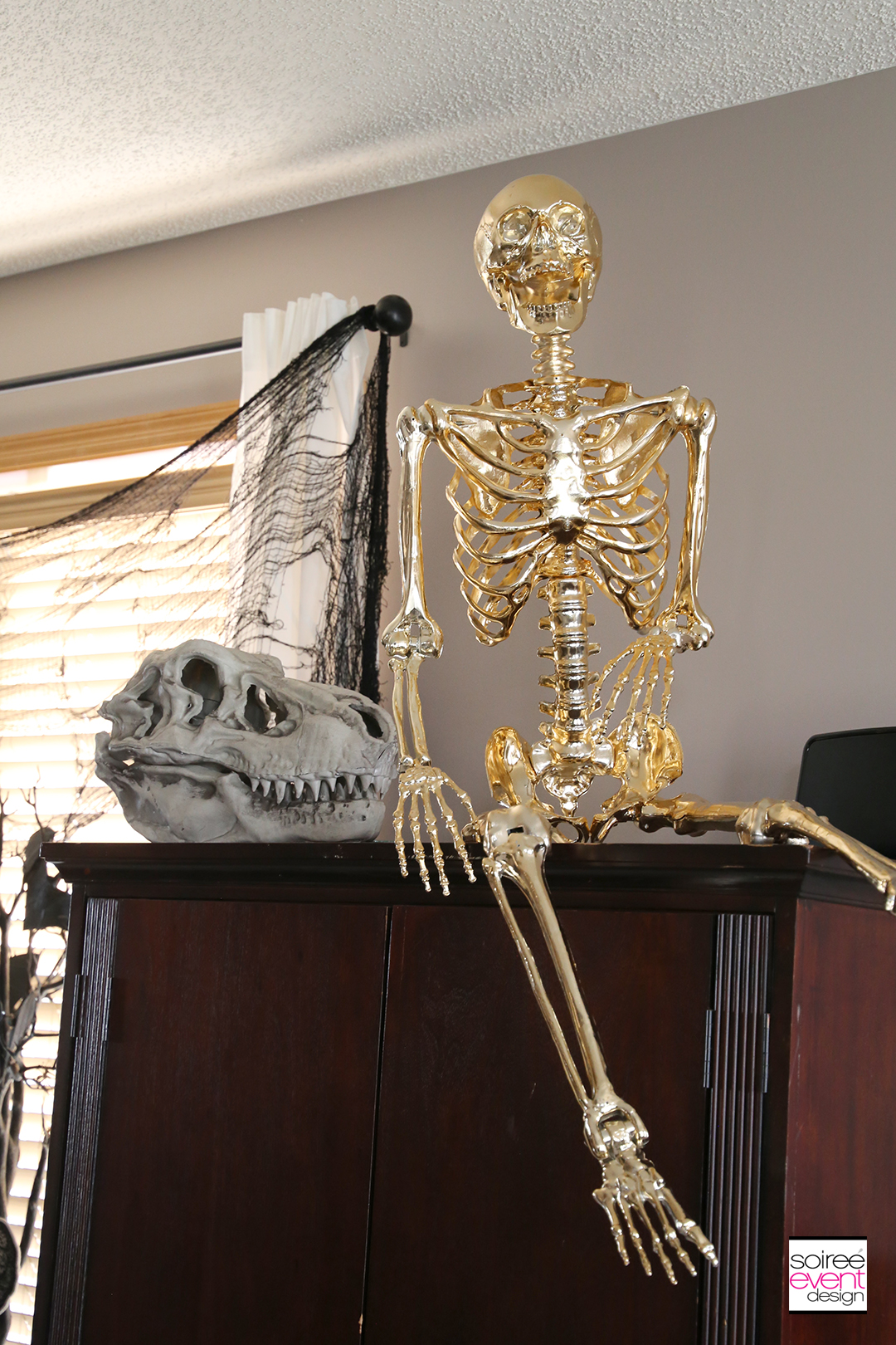 Black and Gold Halloween Decorating Ideas - Gold Skeleton 3