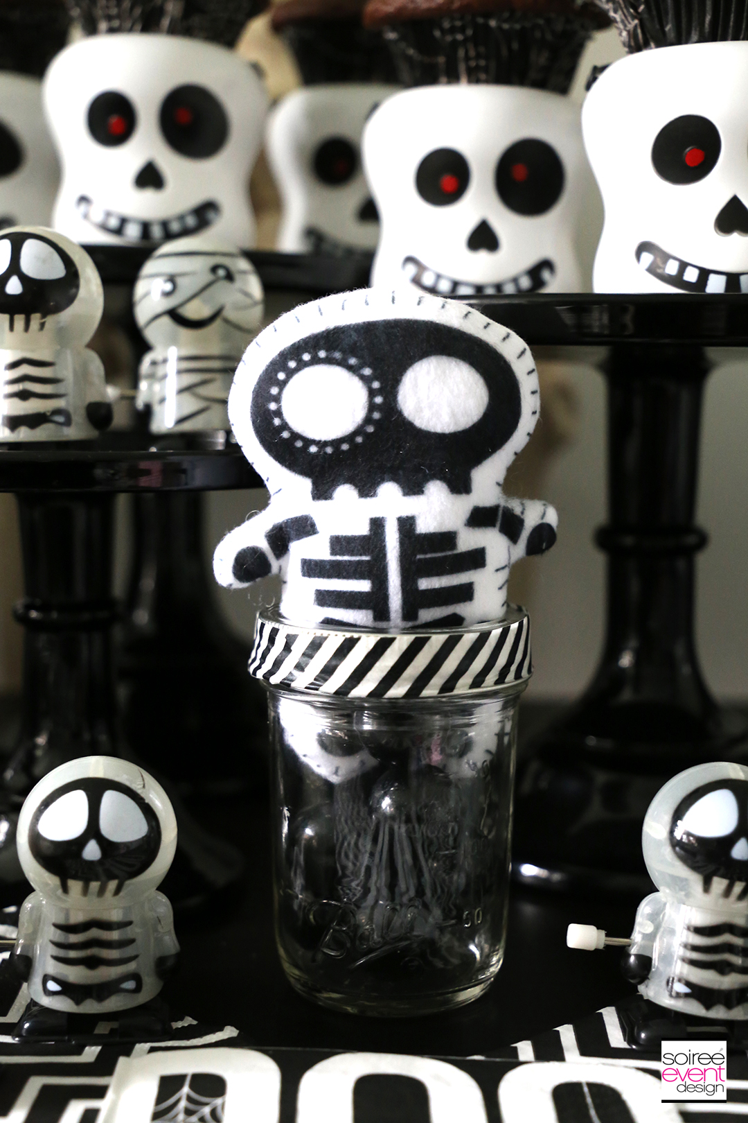 Black and White Skeleton Halloween Party - favors