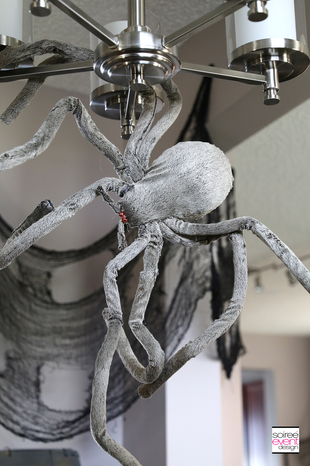 Halloween Entry Decorating Ideas - Spiders