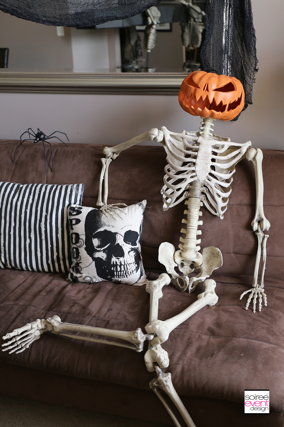 Vintage Halloween Decorating Ideas - Pillows