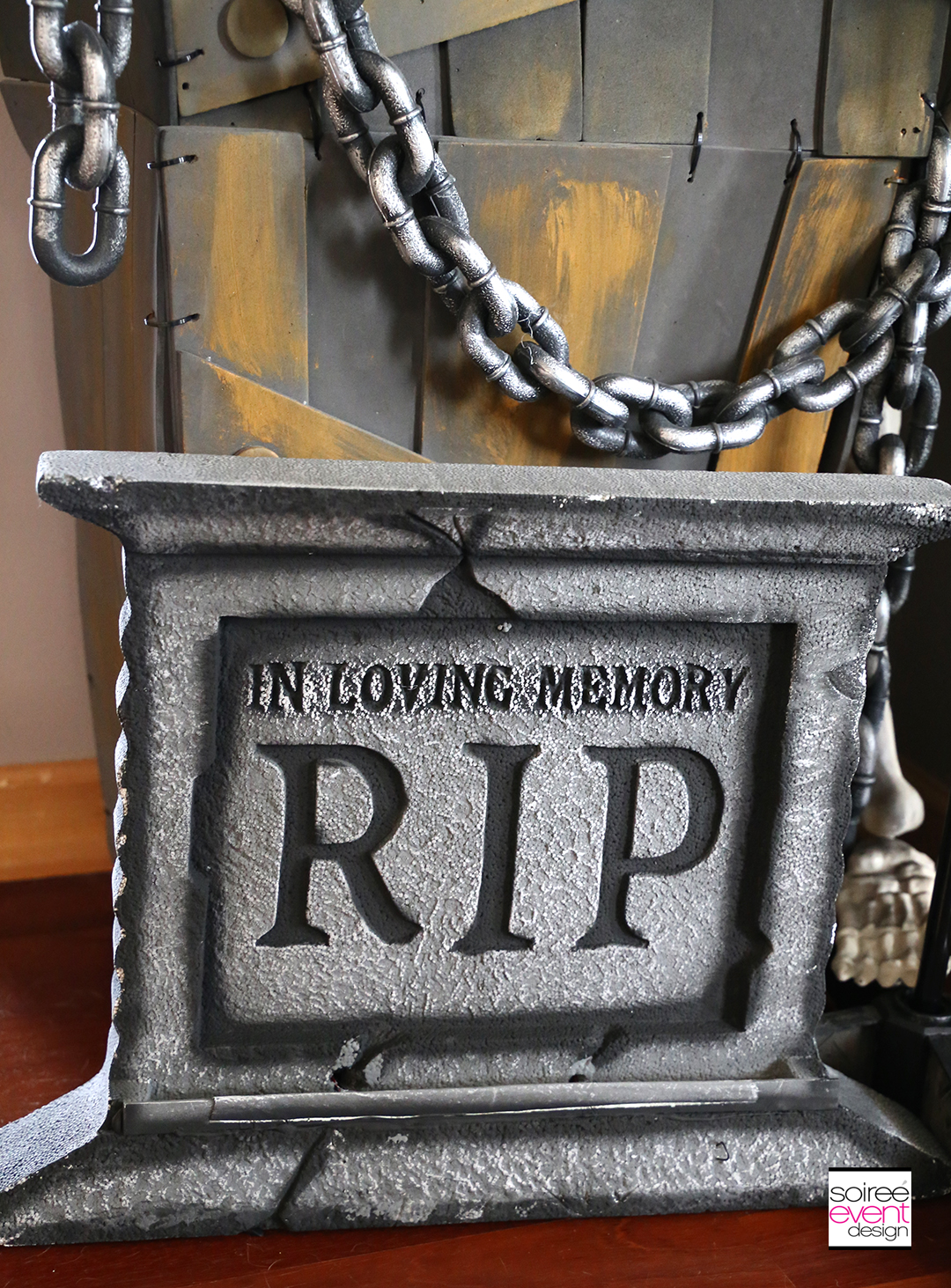 Vintage Halloween Decorating Ideas - Tombstones