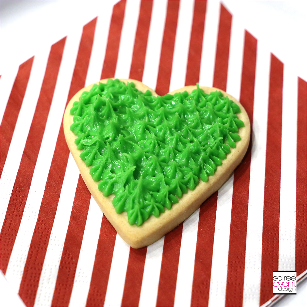 Grinch Dessert Ideas - Grinch Heart Cookies - Step 2