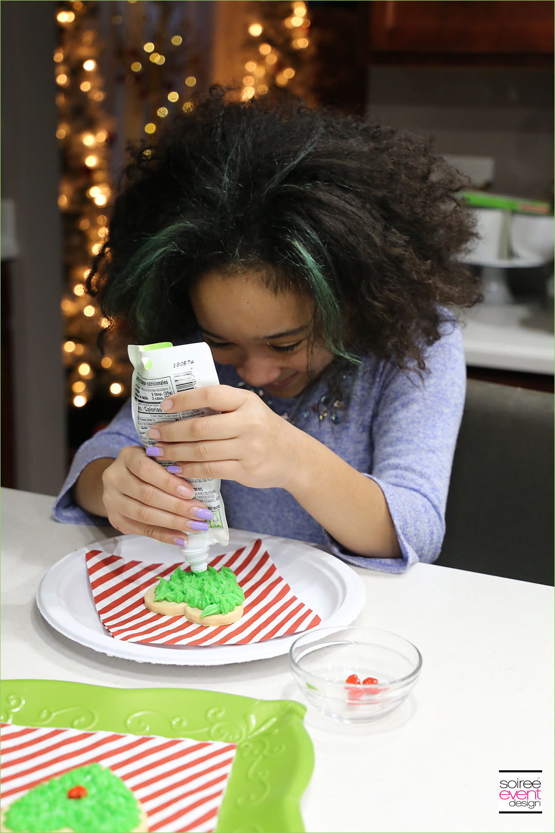Grinch Dessert Ideas - Grinch Heart Cookies - Step 2A