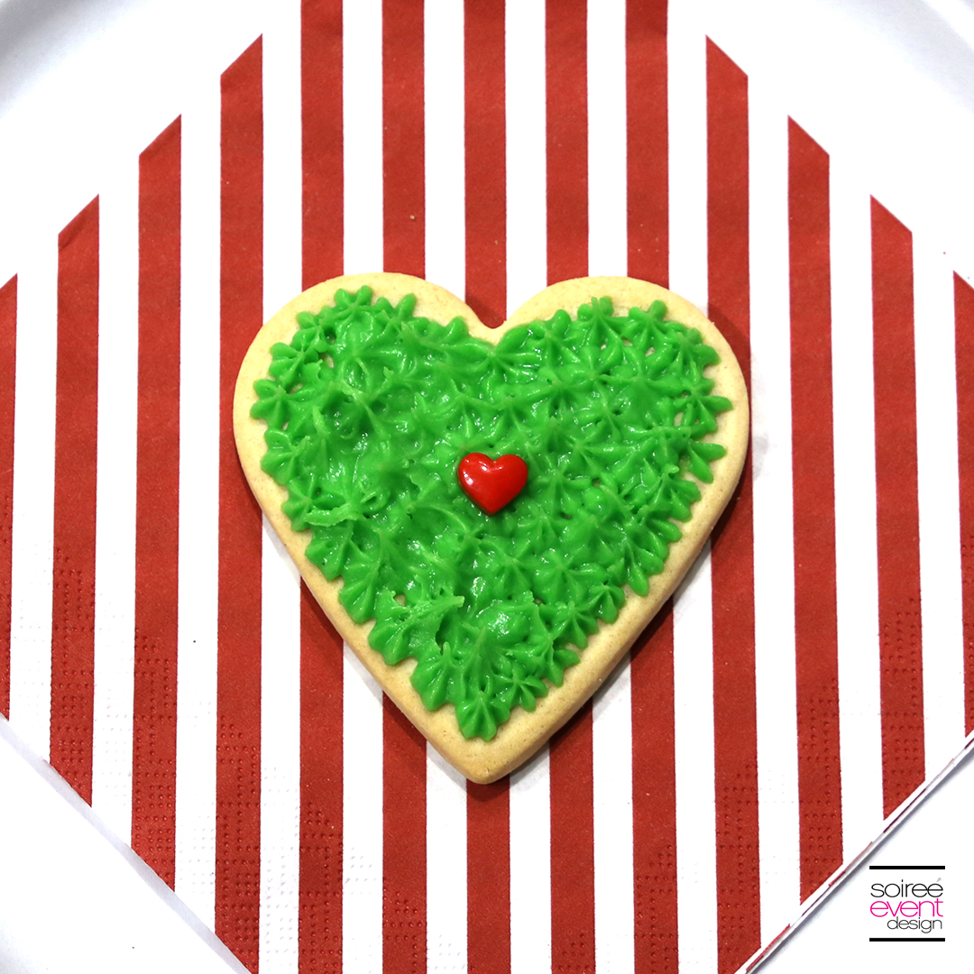 Grinch Dessert Ideas - Grinch Heart Cookies - Step 3