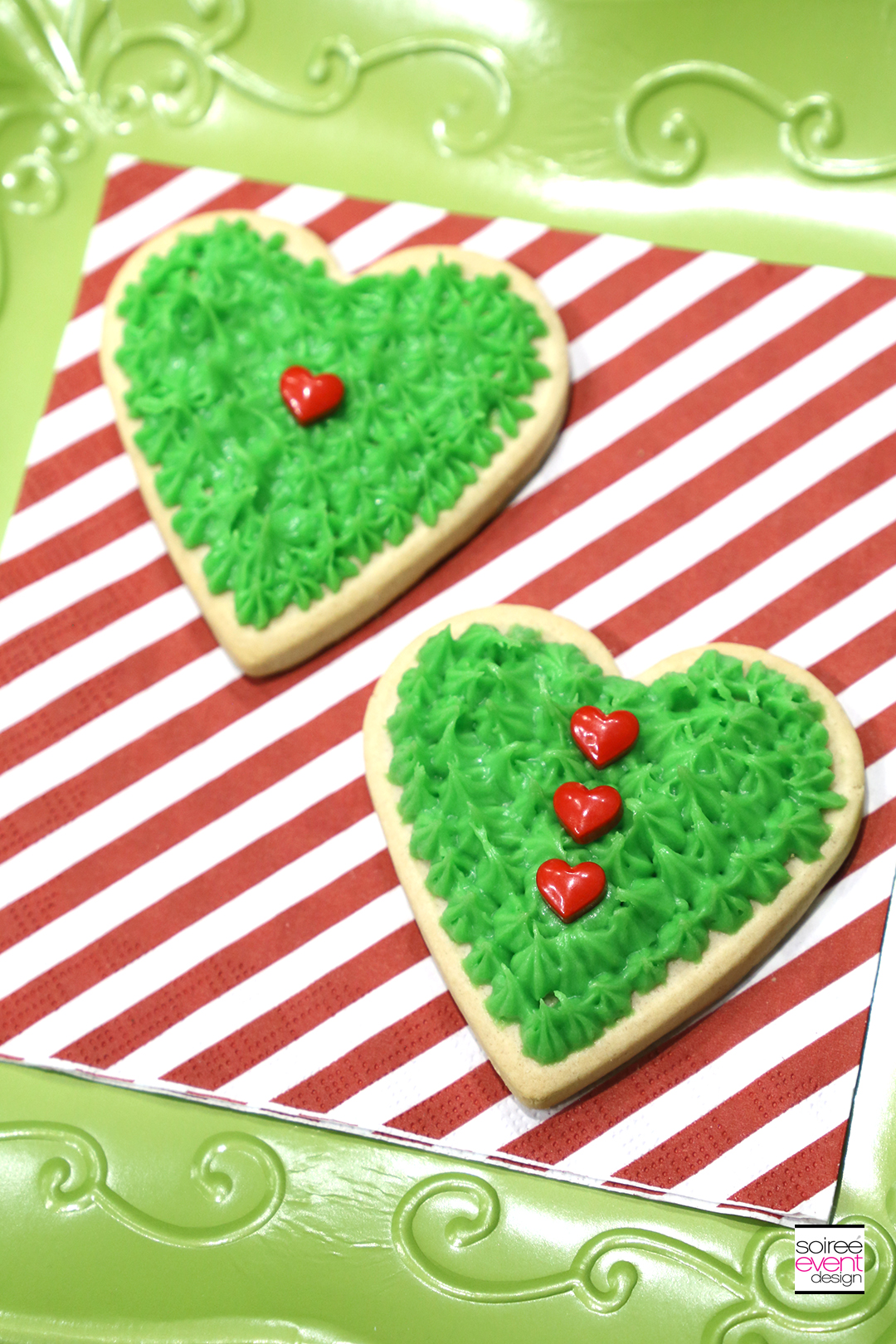 Grinch Dessert Ideas - Grinch Heart Cookies - Step 4