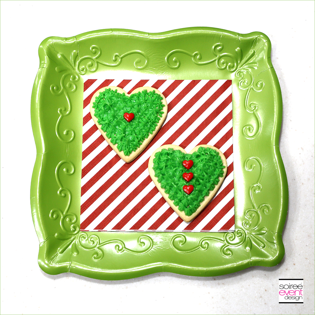 Grinch Dessert Ideas - Grinch Heart Cookies - Step 5